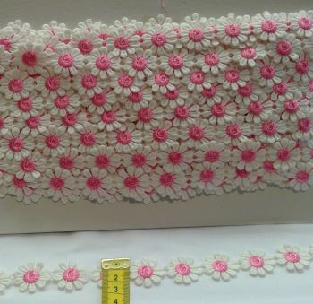 DAISY TRIM WITH PINK CENTER