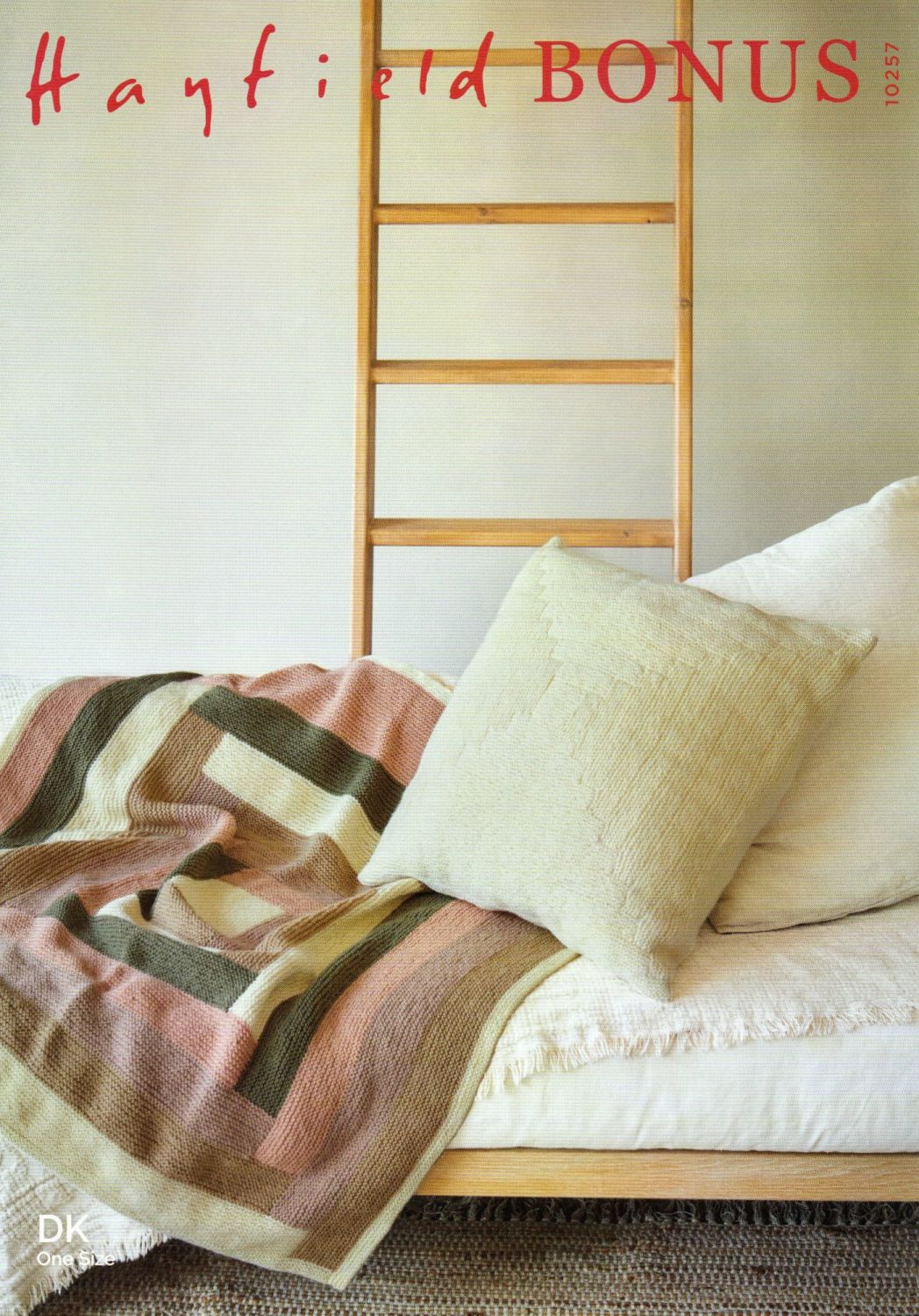 10257 - BLANKET AND CUSHION BY HAYFIELD IN DOUBLE KNIT