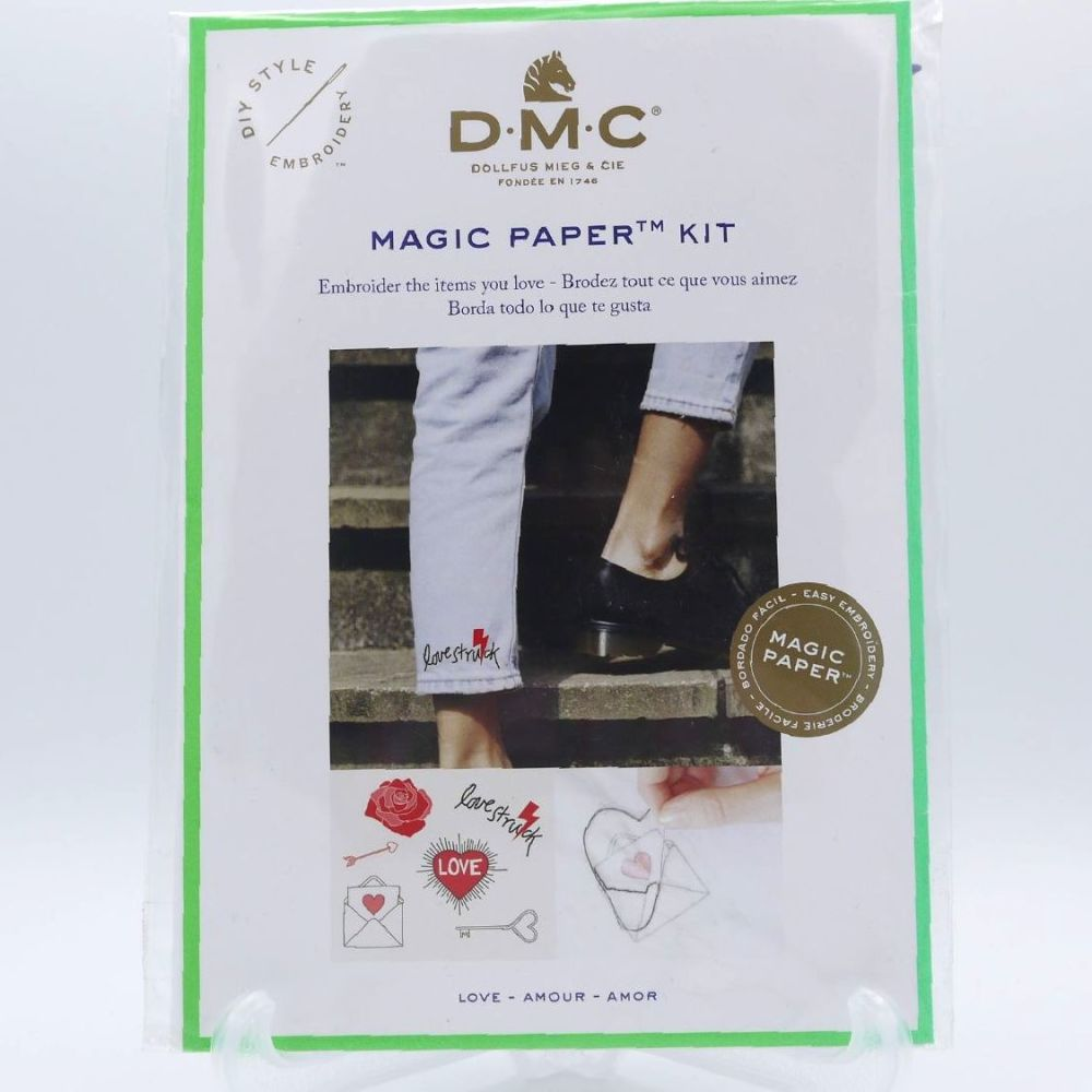 DMC MAGIC PAPER KIT- 'LOVE'