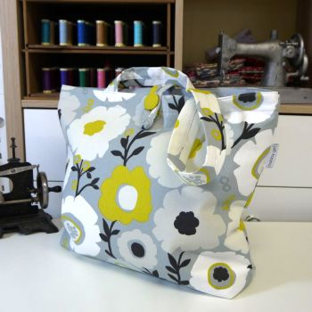 GREY AND YELLOW BAG , WITH INTERNAL POCKETS