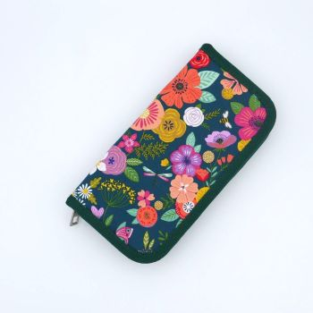 CROCHET HOOK CASE   WITH FLOWERED PRINT