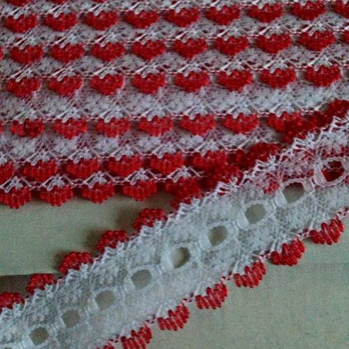 Eyelet Lace - White with Red (per metre)