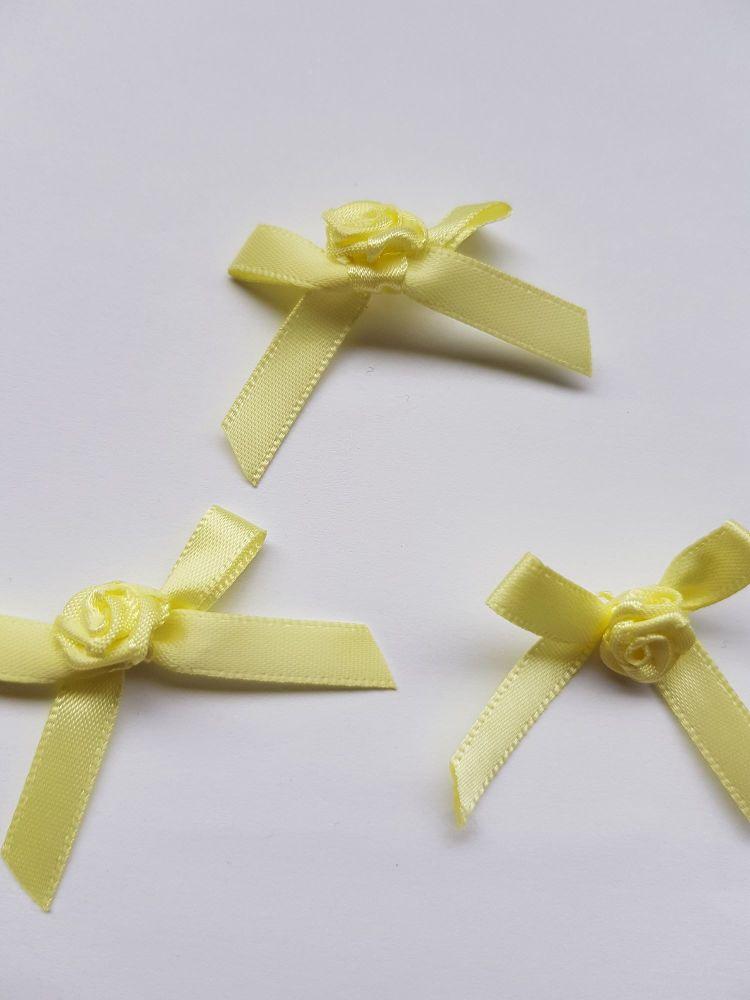 Lemon Ribbon with Rose Centre (each)