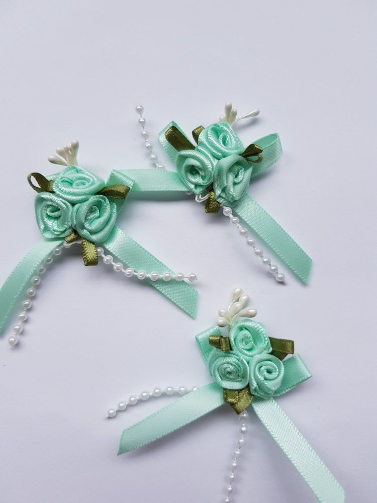 Mint Rose Cluster (each)