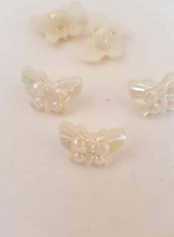 Cream Butterfly Button 22mm (Pack of 8)
