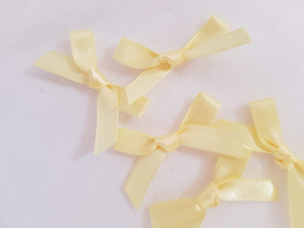 Yellow/Lemon Bow (Pack of 15)