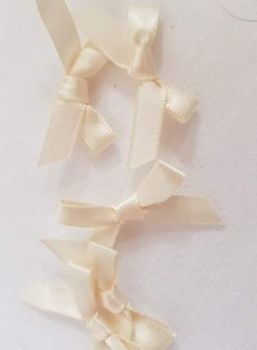 Cream Bow (Pack of 15)