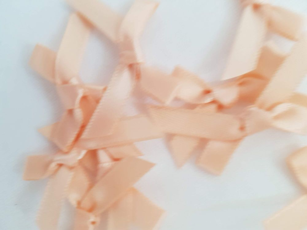 Peach Bow (Pack of 15)
