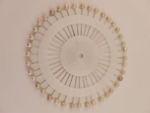 Pin Wheel 32mm White