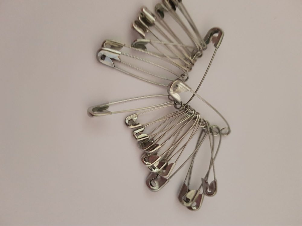 Safety Pins x 12  (3 sizes)