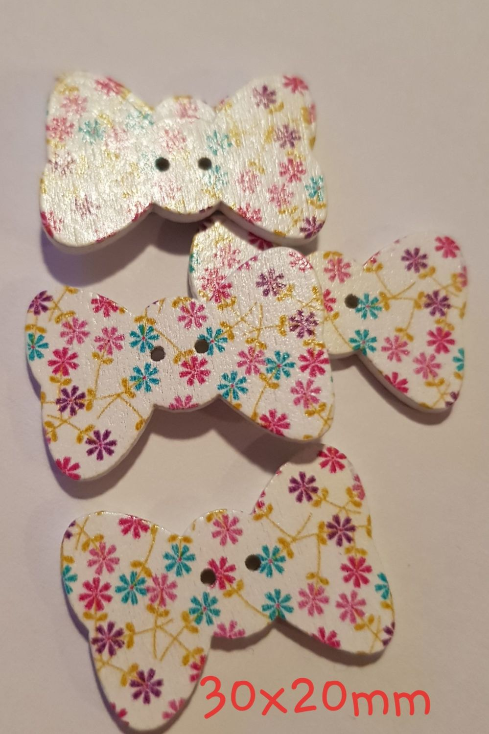 White with Flowers Bow Shaped Button 30mmx20mm (Pack of 6)
