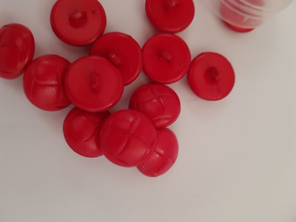 Red Shank Button - 19mm (each)