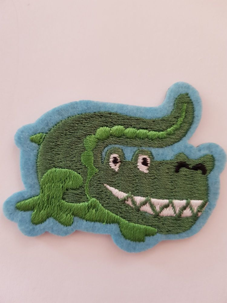 Crocodile Motif 65 x 53cm