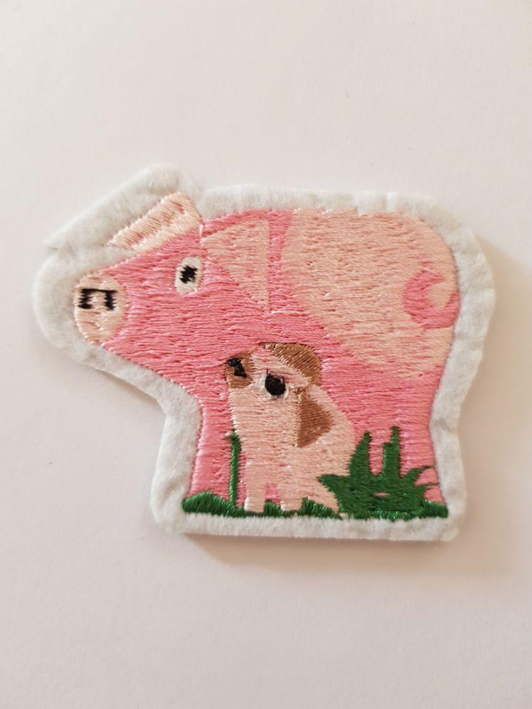 Pig & Piglet Motif 63 x 51cm