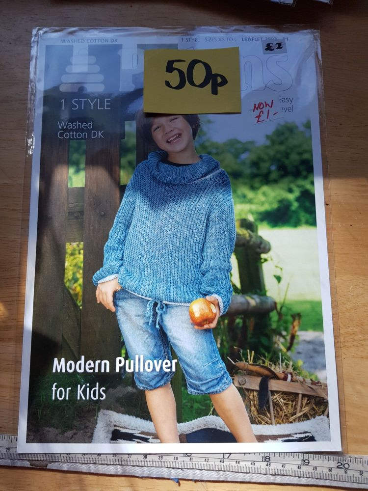 Childrens Knitting Pattern Pullover  / JumperP3992