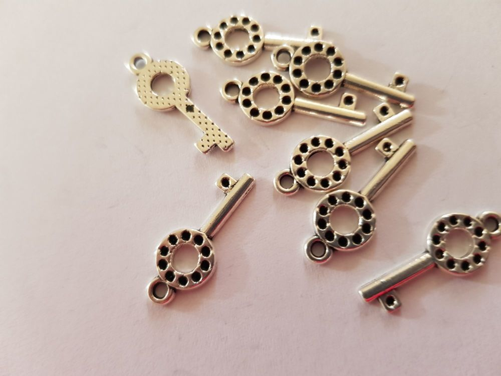 Key Charms (Pack of 8) CH08