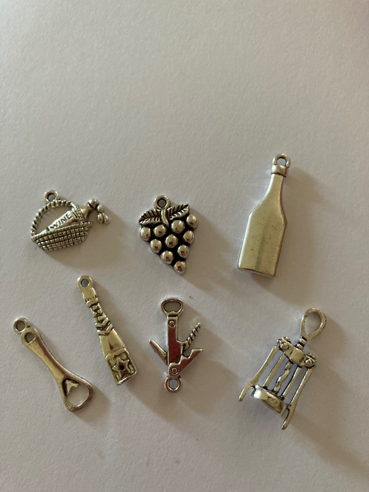 Wine / Grapes / Bottle Charms (Pack of 7) CH19