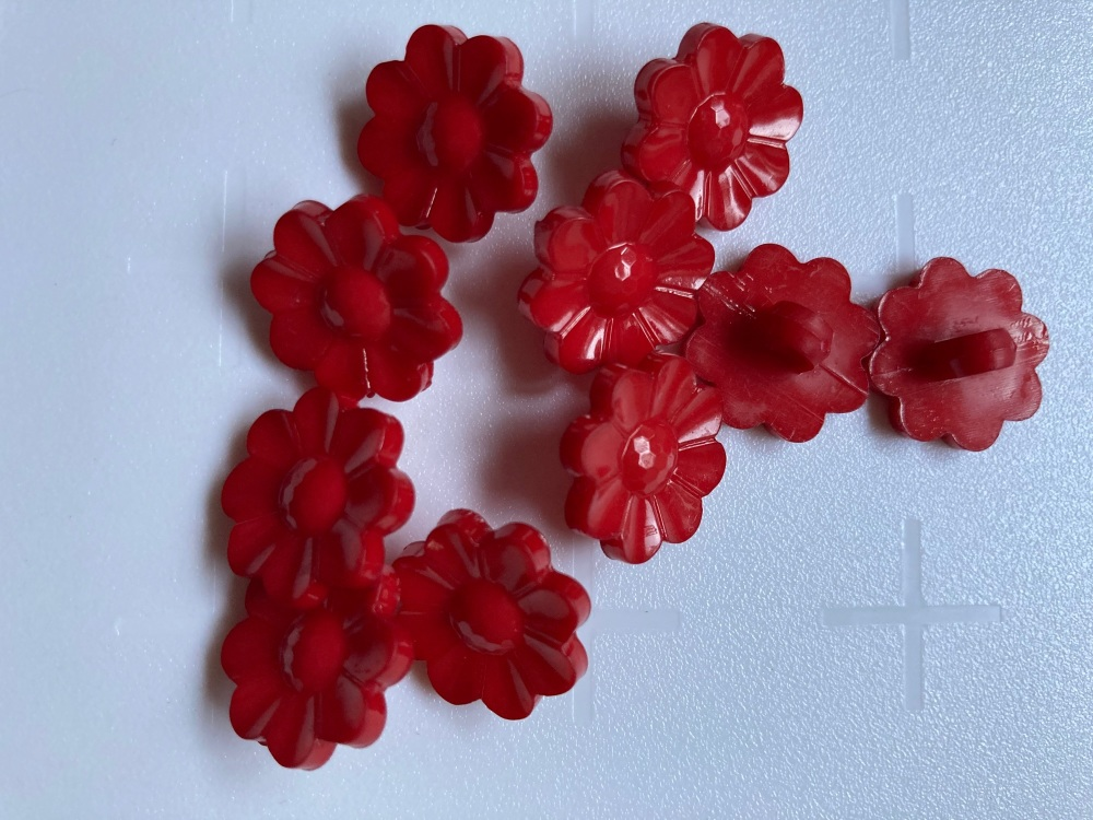 Red Flower Button 17mm (Pack of 12)
