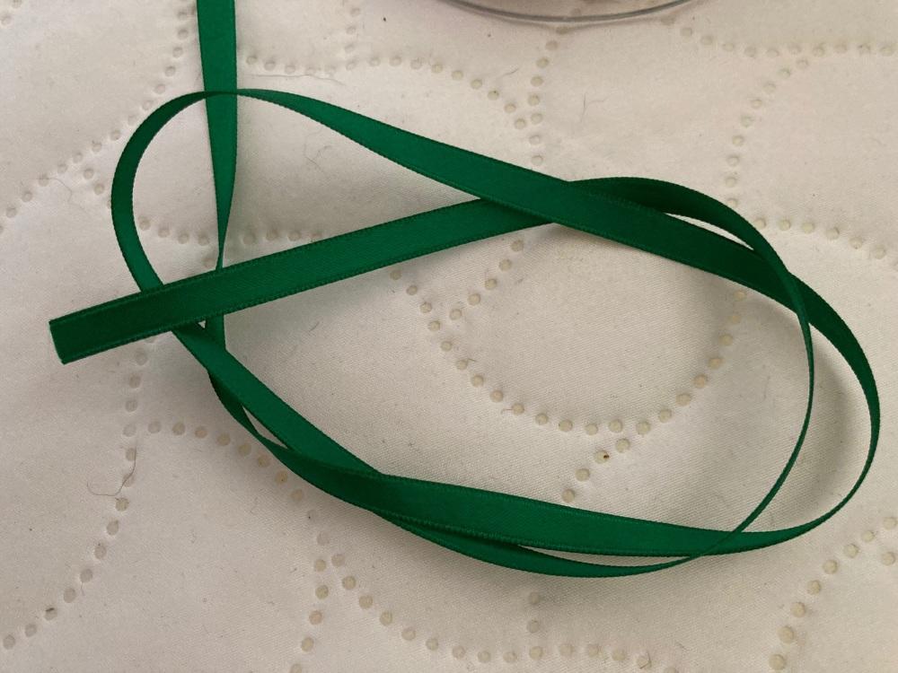 Green (Emerald) Double Satin Ribbon 6mm (per metre)