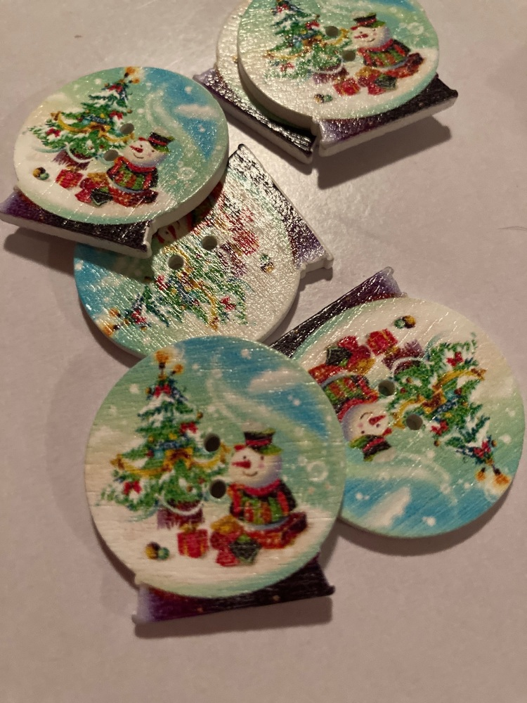 Globe Wooden Buttons 30x 29mm (Pack of 6) - Snowman