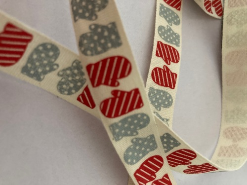 Mitts / Cream  Ribbon 16mm (per metre)