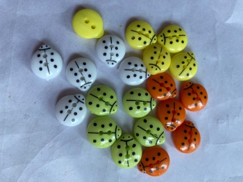 Mixed Ladybug Button 14mm (Pack of 20) As shown AM01