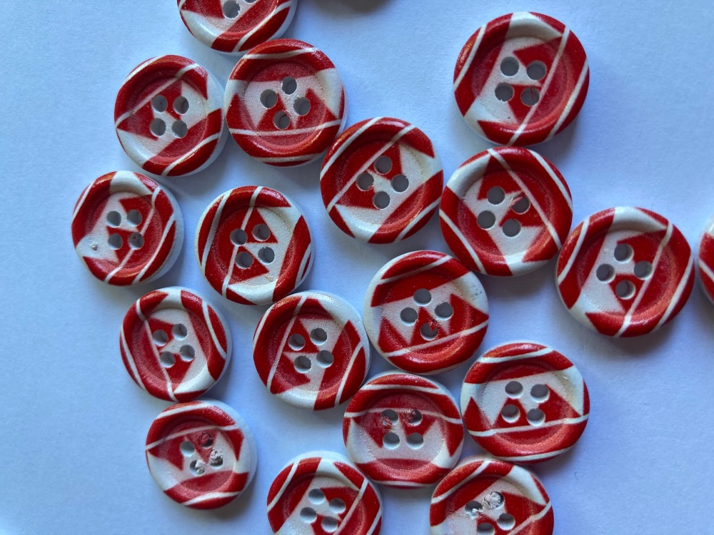 Red and White Wooden Buttons 15mm (Pack of  8) WD04