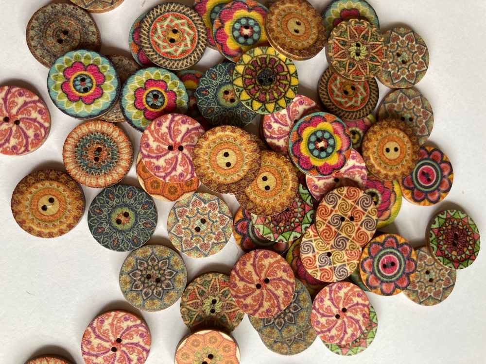 Wooden Buttons 20mm (Pack of 10) Random Mix  WD40