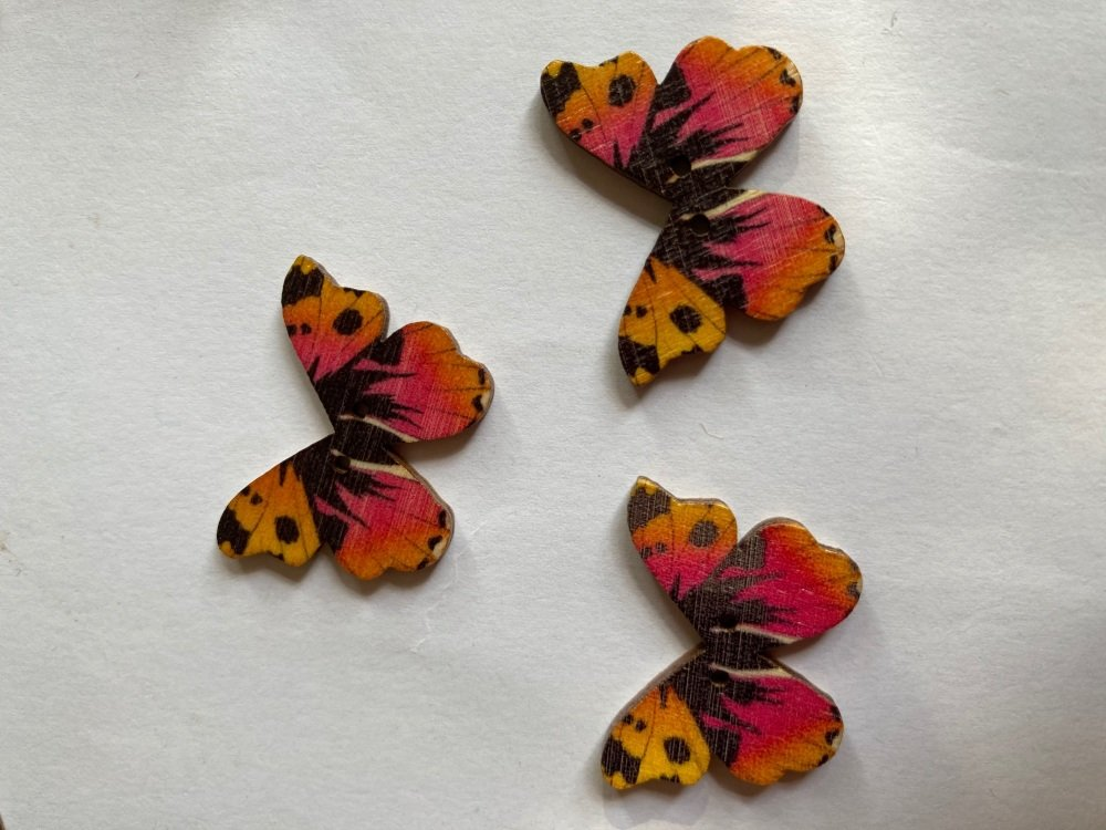 Butterfly Wooden Button 28x22mm (Pack of 6)BF17