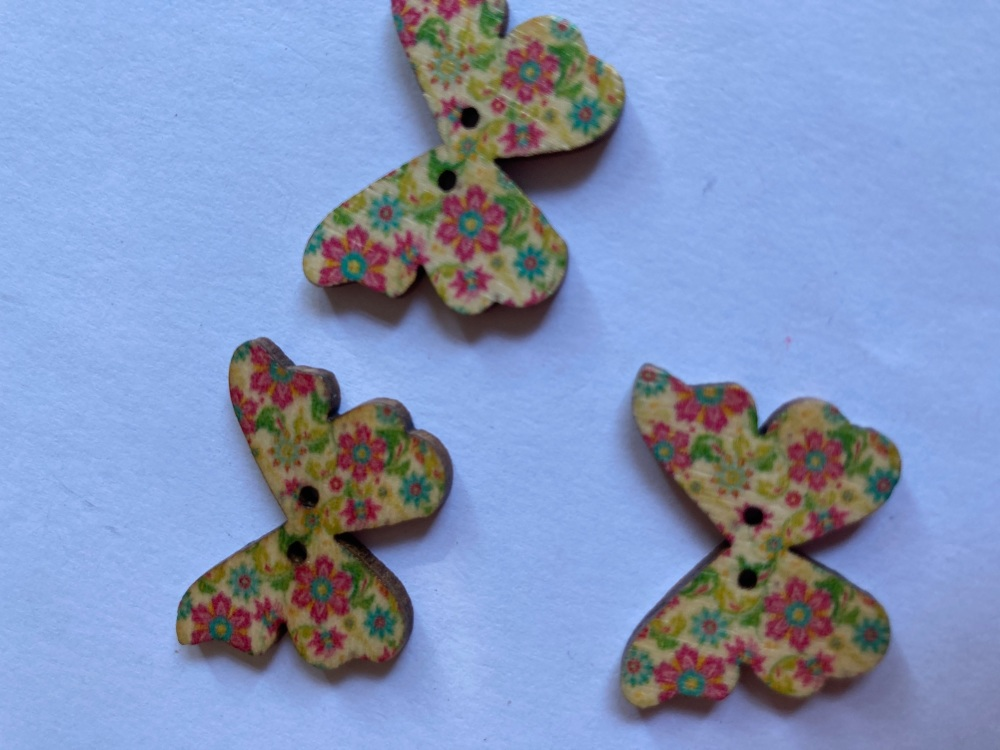 Butterfly Wooden Button 28x22mm (Pack of 6)BF18