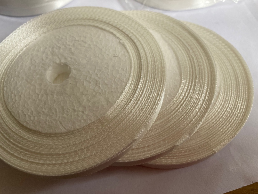 White/ Off White  Single Satin Ribbon 10mm FULL ROLL 25 yards/22+metres