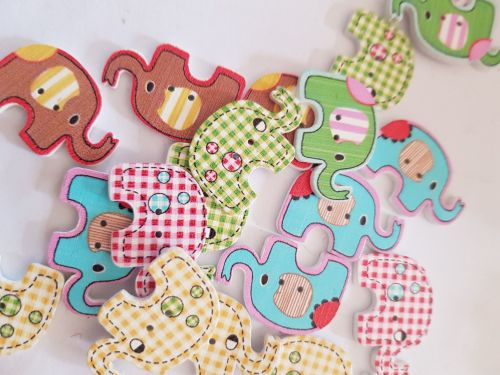 Elephant Buttons 28x19mm - Random Mix - Pack of 8 MX04