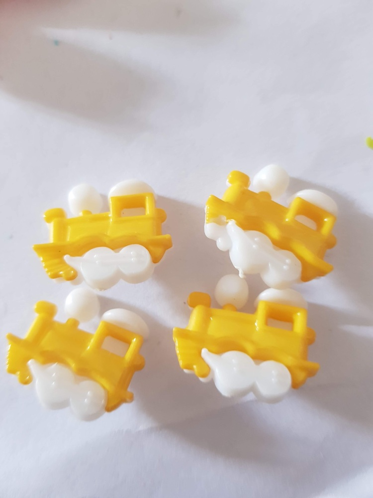 Train Buttons 20x15mm- Yellow/Darker Pack of 8