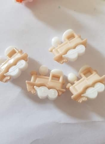 Train Buttons 20x15mm- Beige Pack of 8