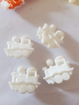Train Buttons 20x15mm- White Pack of 8
