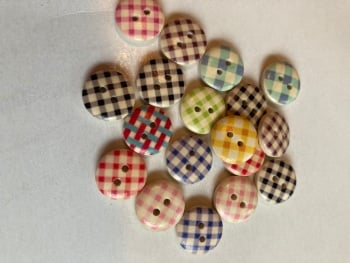 Mixed Pack Check Wooden Buttons  15mm (Pack of 18)AB02