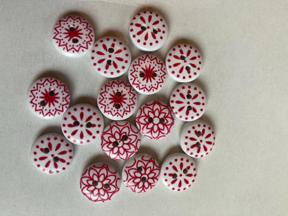 Red and White Wooden Buttons 15mm (Pack of  16) AB05