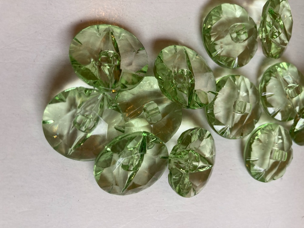Green Translucent Buttons 22mm - Pack of 6  AB23