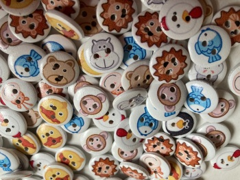 Animal Wooden Buttons 15mm- Random Mix (Pack of 15) CD02