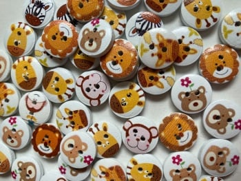 Animal Wooden Buttons 15mm- Random Mix (Pack of 15) CD03