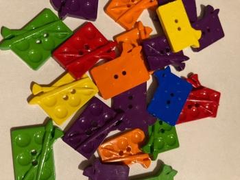 School Collection- Buttons / Embellishments Paint Pallet  (6 pack) Random Mix SC14