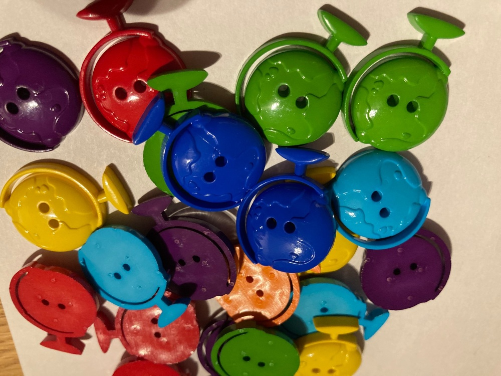 School Collection- Buttons / Embellishments Globe (6 pack) Random Mix SC15