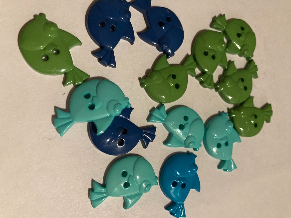 Beach /Sea Collection- Buttons / Embellishments Fish  (7 pack) Random Mix S
