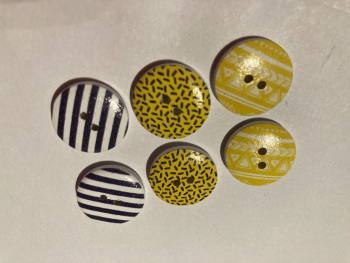 Mixed Pack Wooden Buttons 18mm ( Pack of 6) JC01