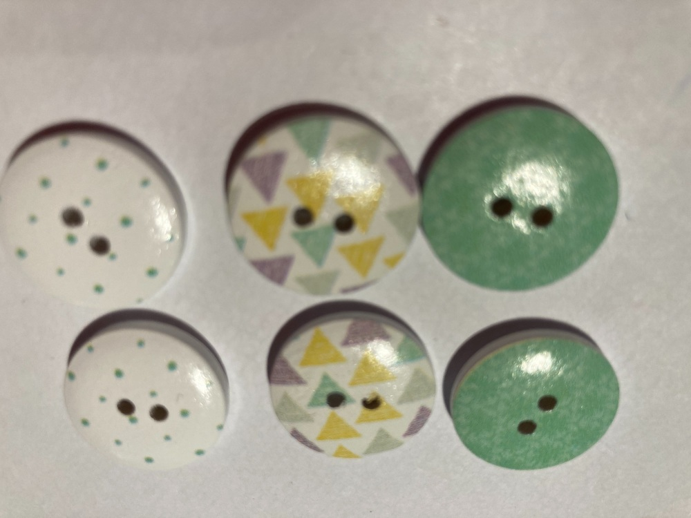 Mixed Pack Wooden Buttons 18mm ( Pack of 6)JC05