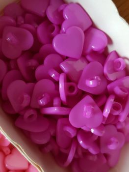 Cerise / Pink Heart Button 18mm (Pack of 12)