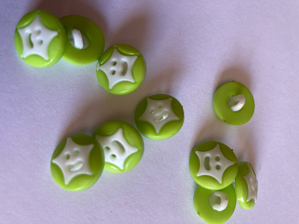Star Buttons - Green (Lime) 14mm  Pack of 10