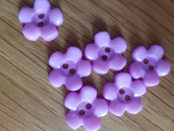 Lilac Flower Buttons 15mm (Pack of 12)