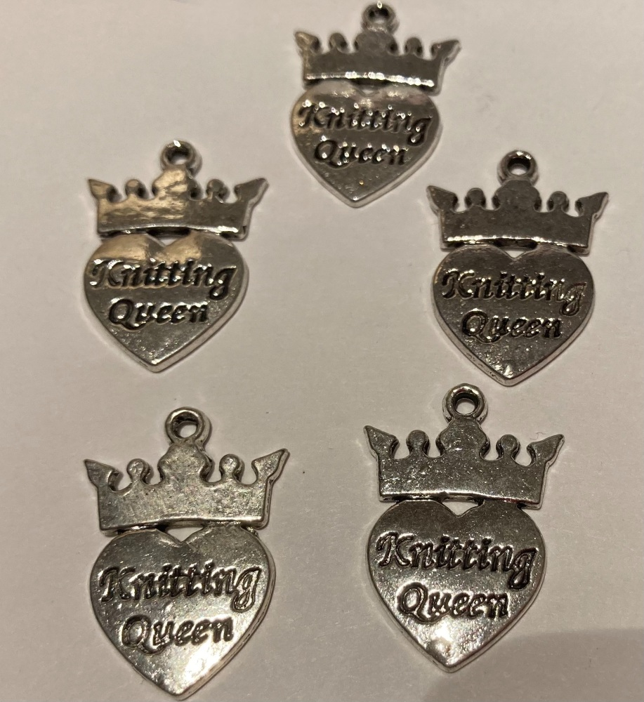 Knitting Queen Charms (Pack of 5)