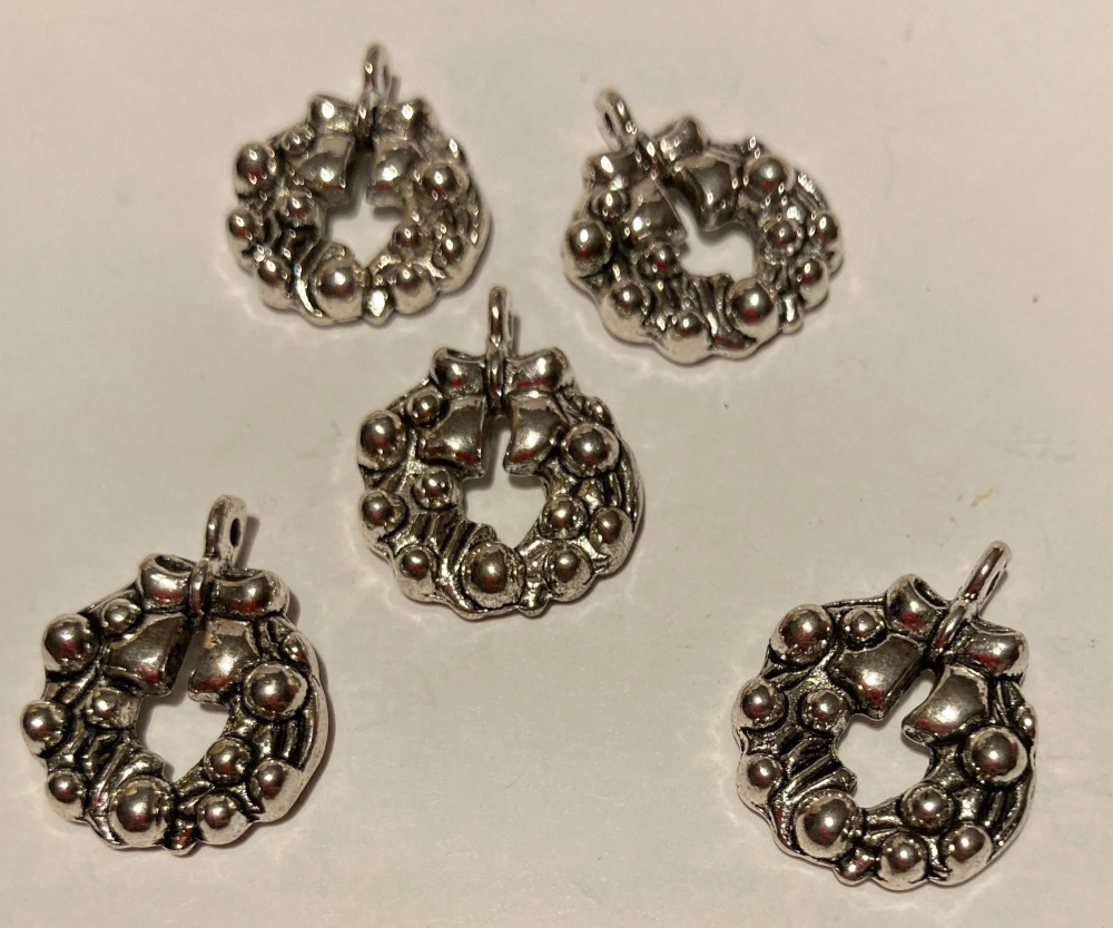 Wreath Charms (Pack of 5) CH202